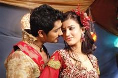 Siddharth and Shruti Haasan