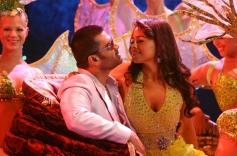 Sunil Shetty & Sameera Reddy