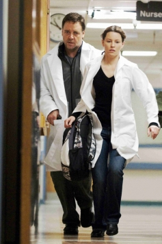 Russell Crowe and Olivia Wilde