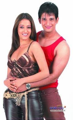 Raima Sen and Sharman Joshi