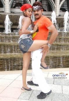 Priyamani and Shaam