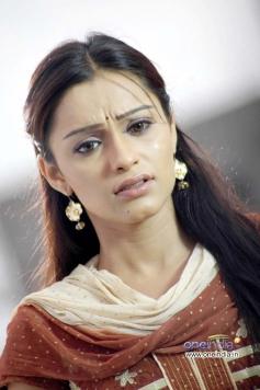 Arya Vora in Padaharella Vayasu