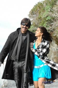 Ravi Teja & Illeana in Kick
