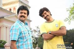 Vivek with Vinay in Jayam Manadi