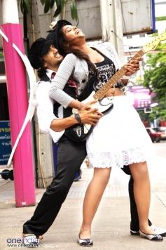 Sai Ram Shankar with Bindu Madhavi