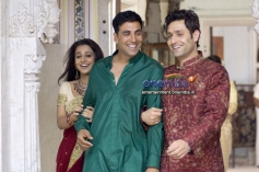 Shiny Ahuja with Akshay Kumar and Vidya Balan