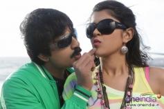 Deeksha Seth and Ravi Teja
