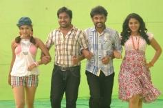 Oviya Helen, Shiva, Vimal and Anjali