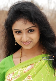South Indian Actress Waheeda in Anagarigam 2