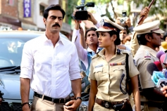 Arjun Rampal and Esha Gupta Still
