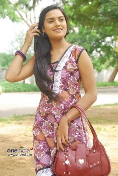 Actress Chaitanya Nelli
