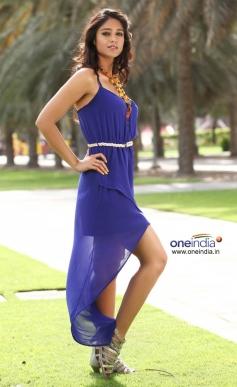 Ileana D'Cruz looking beautiful in Julayi latest HD posters
