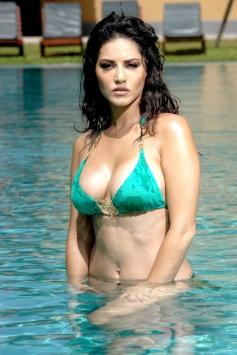 Sunny Leone - Jism 2 Actress