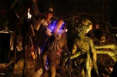 Akshay Kumar With Aliens