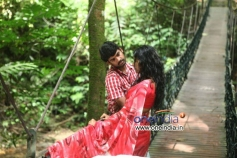 Vimal and Anjali in Telugu Movie Naluguru Snehitula Katha