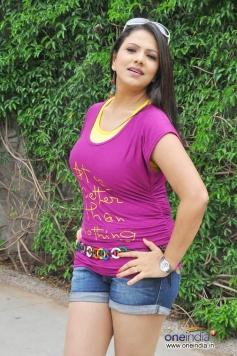 Sizzling Shivani