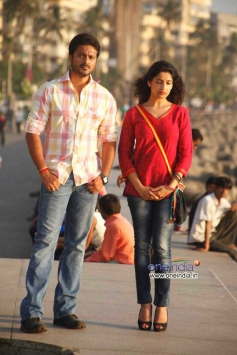Aditya & Akanksha in Kannada Movie Edegarike
