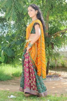 Actress Divya Singh