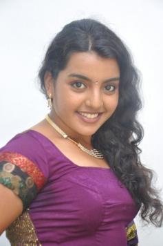 Divya Nagesh Latest Hot Pics