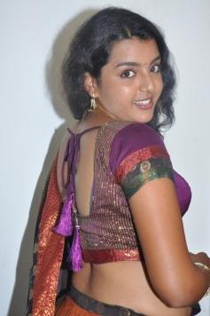Divya Nagesh Hot Pics
