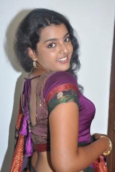 Divya Nagesh New Hot Stills