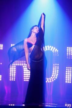 Kareena Kapoor Still From Main Heroine Hoon Song