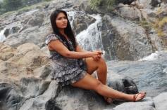 Ilamai Oonjal Actress