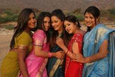 Ilamai Oonjal Actress Stills