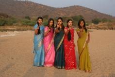 Ilamai Oonjal Actress Pictures