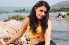 Ilamai Oonjal Actress Hot Photos