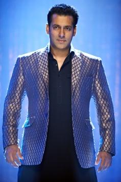 Salman Khan Still From Ishkq In Paris Film