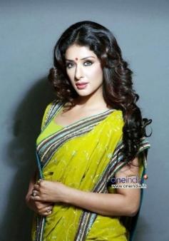 Lovely Samiksha Singh