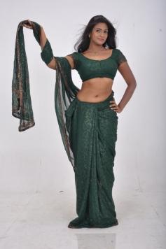 Sathiram Perundhu Nilaiyam Actress in Green Saree