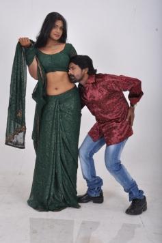 Sathiram Perundhu Nilaiyam Hot Stills