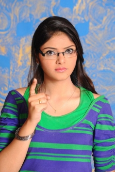 Aishwarya in Ee Girl Friend No 9
