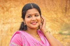 Kalla Thuppakki Movie Actress Stills