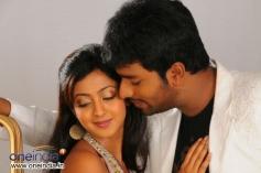Aindrita Ray & Santan Bhagyaraj