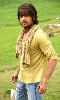 Suriya in Maatran with Coloring Hair