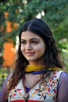 Cute Shubha Phutela