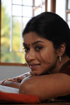 Therodum Veedhiyile Pictures