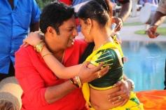 Thulli Vilayadu Hot Pictures