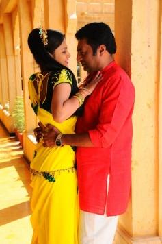 Thulli Vilayadu Romance Stills