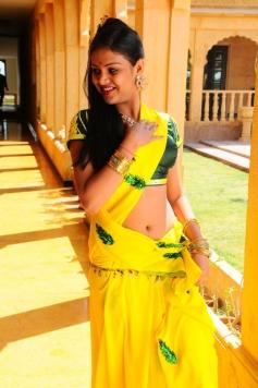 Thulli Vilayadu Movie Actress Stills
