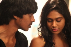 Aadhalal Kadhal Seiveer Moive Pictures