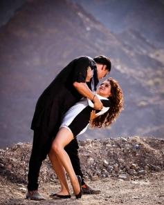 Akshay Kumar and Asin Romantic Still