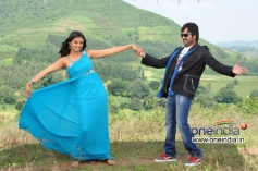 Nee Naan Mattum Movie Pics