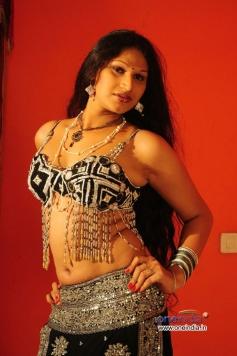 O Aunty Katha Movie Images