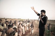 Director Bala Guiding the Paradesi Movie Crew