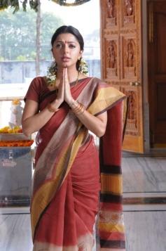 Bhumika Chawla in Pen Adimai Illai