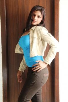 Shalini Naidu Hot Pics